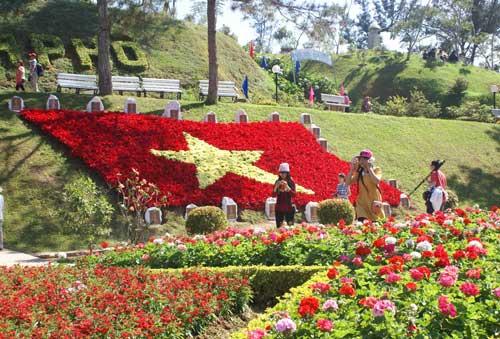 Biển Nha Trang & Hoa Đà Lạt (Hàng ngày)